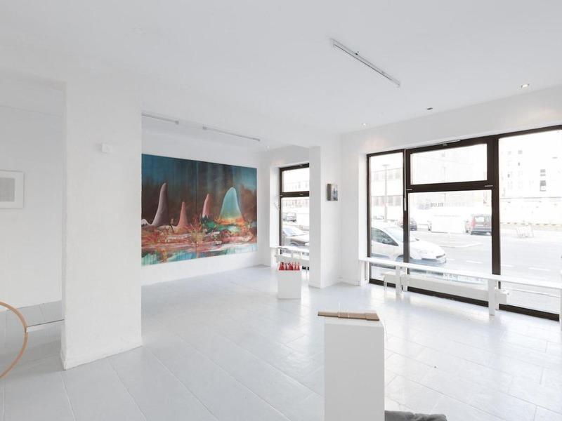 berlin blue art space artconnect. Black Bedroom Furniture Sets. Home Design Ideas